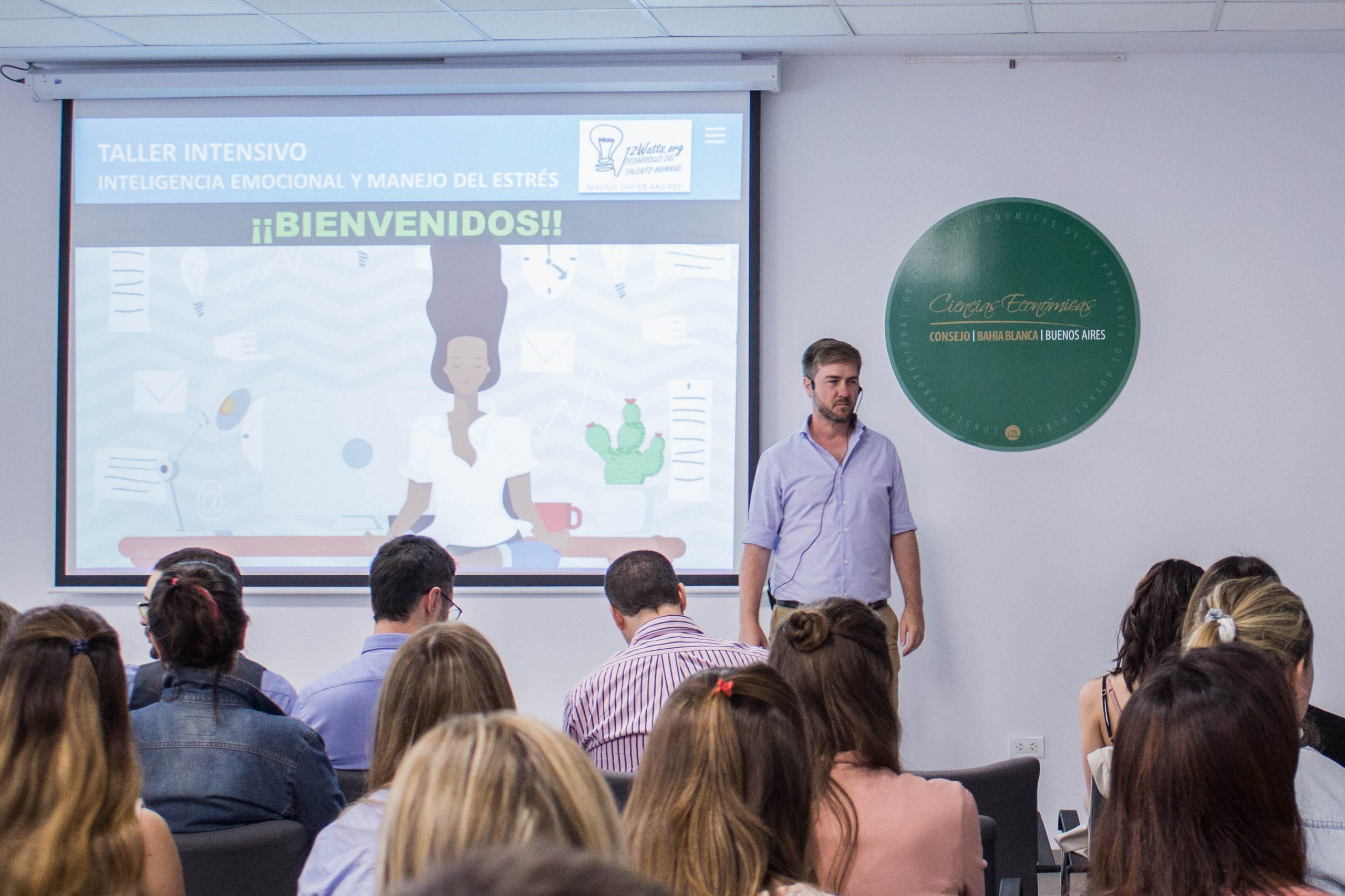 Disertamos en el XXIII Seminario de Jóvenes Egresados en Ciencias Económicas de la provincia de Buenos Aires sobre Inteligencia Emocional y Manejo del Estrés.